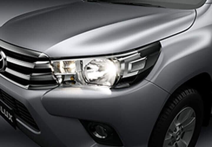 Cụm đèn trước với thiết kế sắc sảo được tích hợp nhiều công nghệ cao cấp