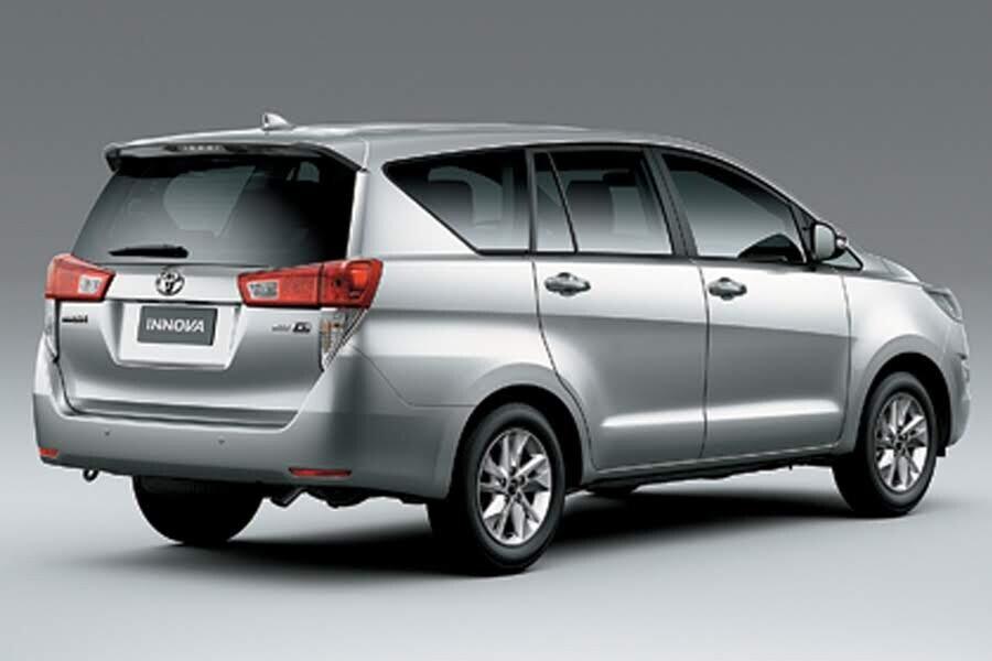 Ngoại thất Toyota Innova 2018 2.0G - Hình 4
