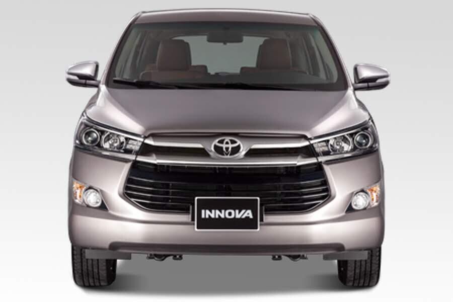 Ngoại thất Toyota Innova 2018 2.0V - Hình 2