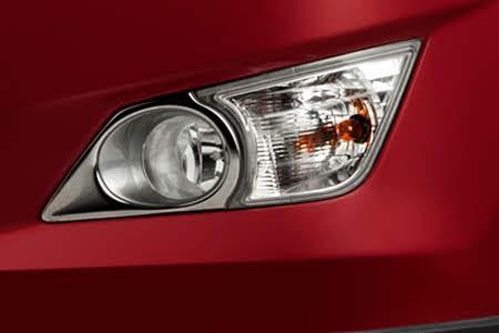 Ngoại thất Toyota Innova Venturer - Hình 4