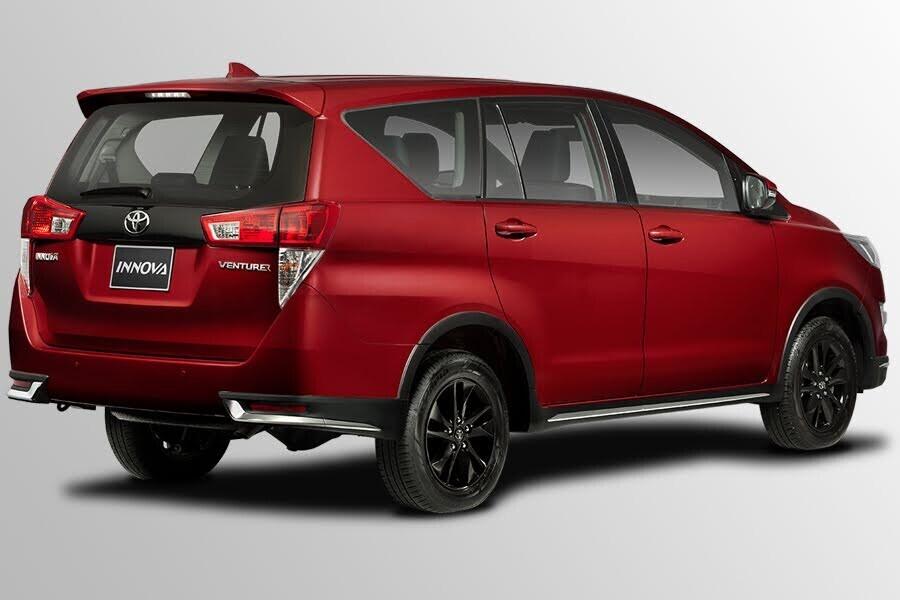 Ngoại thất Toyota Innova Venturer - Hình 6