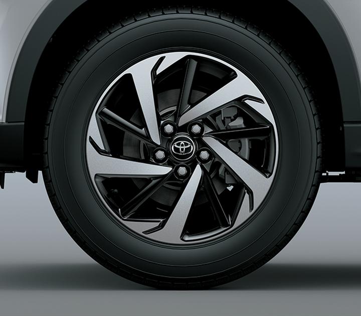 Mâm xe 17 inch mang đến hình ảnh cân đối, năng động