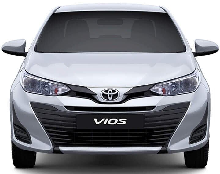 Đầu xe thiết kế nổi bật đem đến cảm giác tự tin người lái kết hợp lưới tản nhiệt trau chuốt từng đường nét