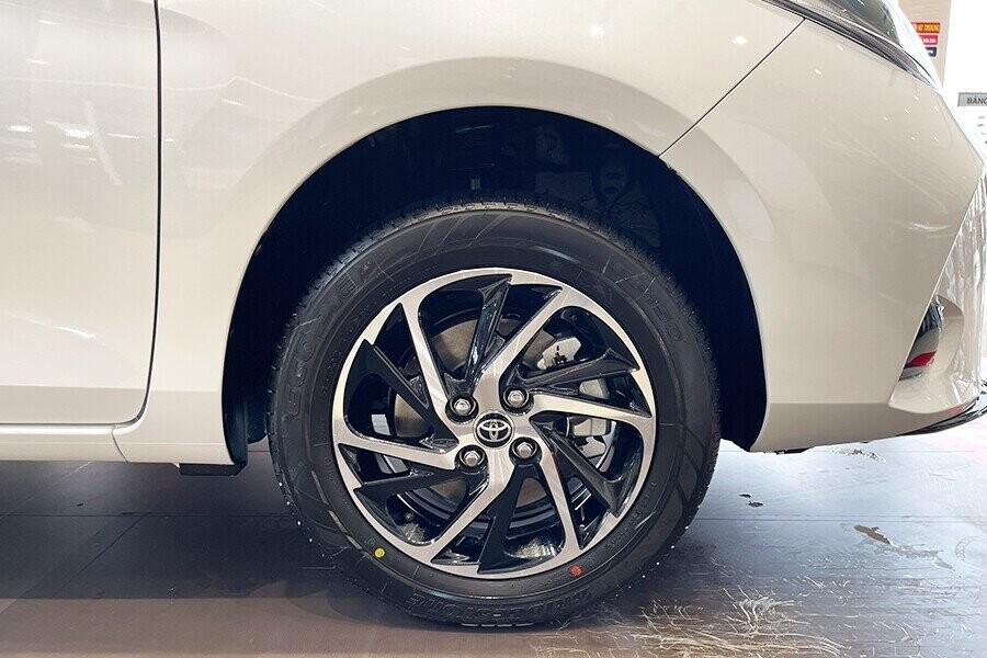"""Toyota Vios sử dụng bộ mâm đúc 15"""" có thiết kế mới"""
