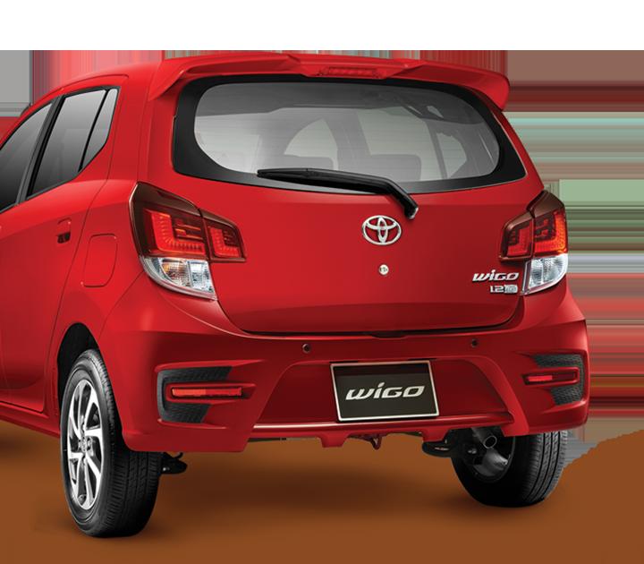 Bộ kit TRD khiến phần đuôi xe mang dáng vẻ thể thao, thêm phần mạnh mẽ, cá tính.