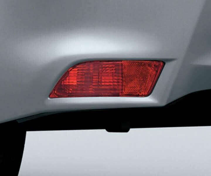 Đèn sương mù phía sau được bố trí ở vị trí thấp tăng khả năng quan sát xe phía sau