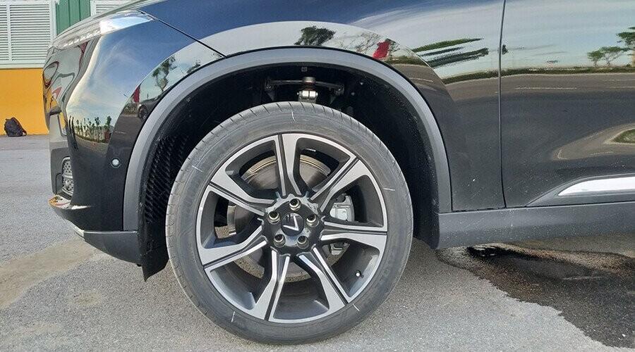 Mâm xe Lux SA 2.0 thiết kế thể thao
