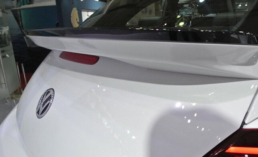 Cánh lướt gió mui xe đặc trưng phong cách Beetle