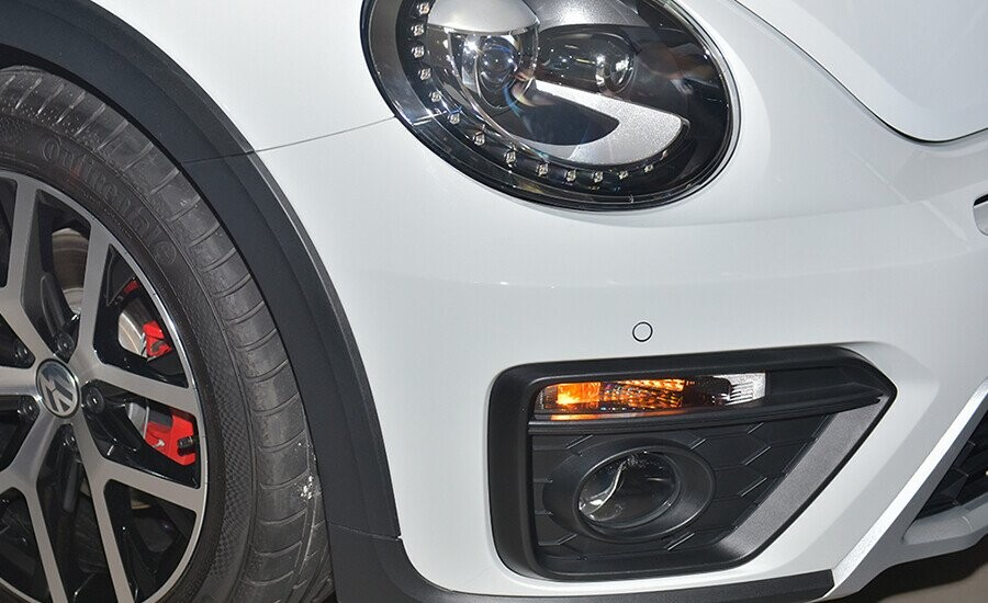 Đèn sương mù tự động kích hoạt giúp tăng sáng khi xe vào cua