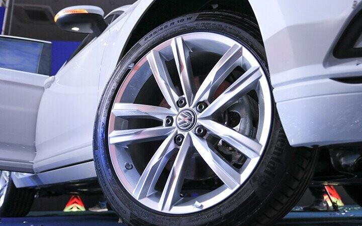 Mâm xe hợp kim nhôm ''Dartford'' 18-inch thiết kế khí động học