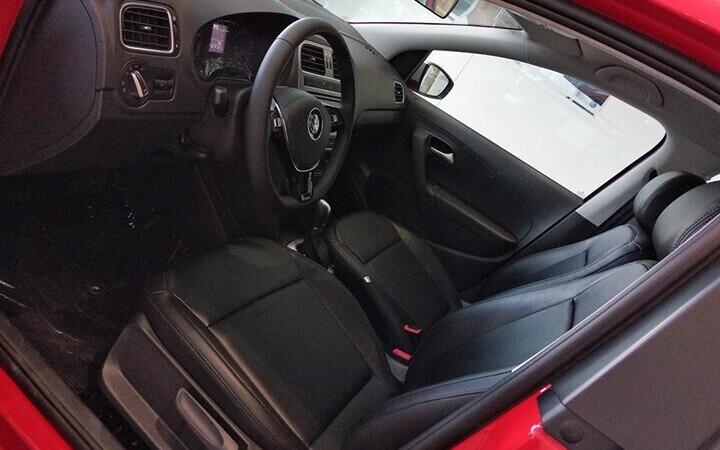 Nội thất Volkswagen Cross Polo được thiết kế theo phong cách tối giản nhưng rất thuận tiện trong việc thao tác
