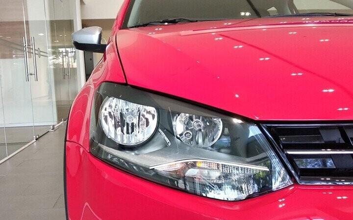 Volkswagen Cross Polo được sử dụng cặp đèn pha Halogen thiết kế kiểu mới