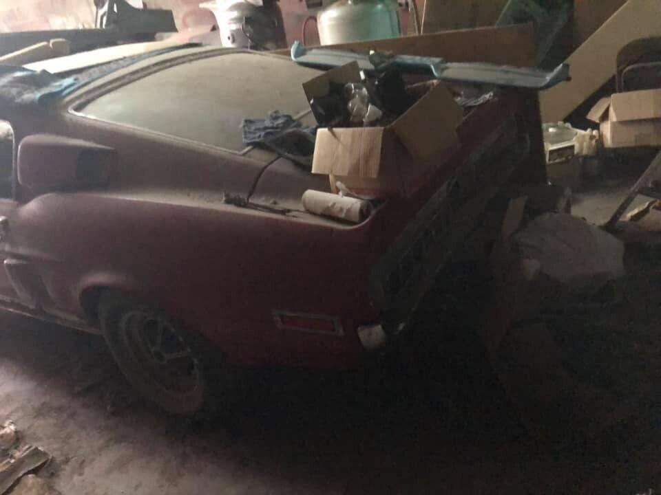 'Ngua hoang' Ford Mustang doi dau bo hoang 30 nam trong nha kho hinh anh 5 5.jpg