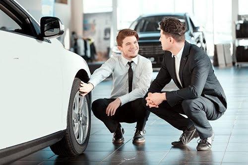 Người giàu cần gì khi mua xe sang? - Hình 1