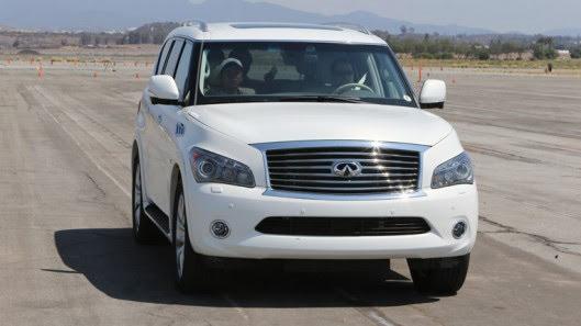 Người Việt trải nghiệm xe sang Infiniti QX80 trên đất Mỹ - Hình 16