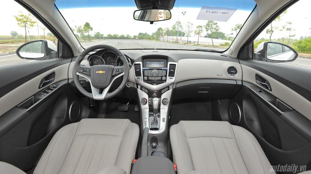 Những tiện ích trên Chevrolet Cruze LTZ 2014 - Hình 16