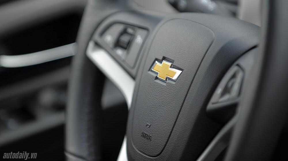 Những tiện ích trên Chevrolet Cruze LTZ 2014 - Hình 18