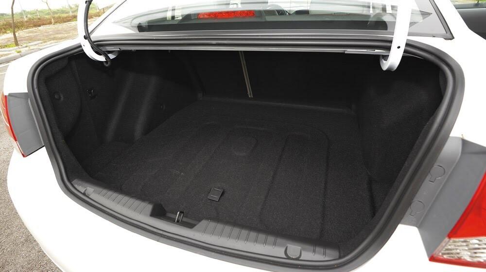 Những tiện ích trên Chevrolet Cruze LTZ 2014 - Hình 20