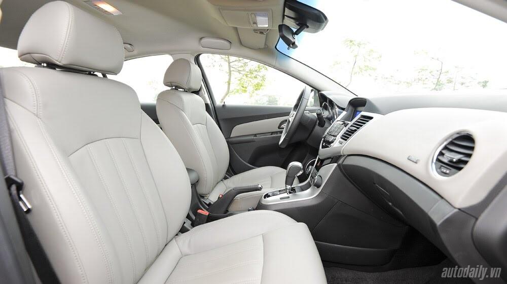 Những tiện ích trên Chevrolet Cruze LTZ 2014 - Hình 22