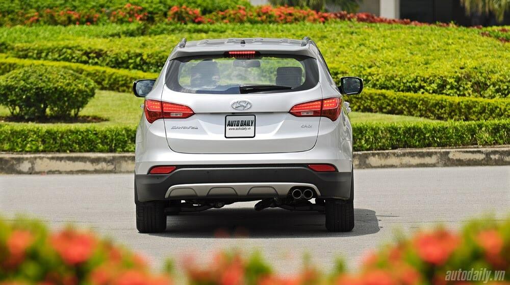 Những tiện nghi trên Hyundai Santa Fe 2014, giá bán 1,431 tỷ đồng - Hình 5