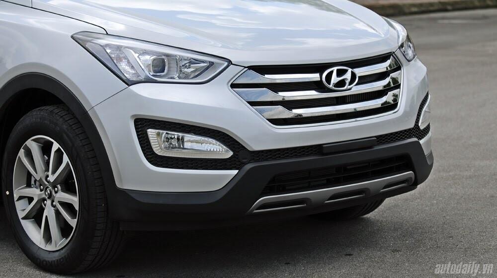 Những tiện nghi trên Hyundai Santa Fe 2014, giá bán 1,431 tỷ đồng - Hình 6