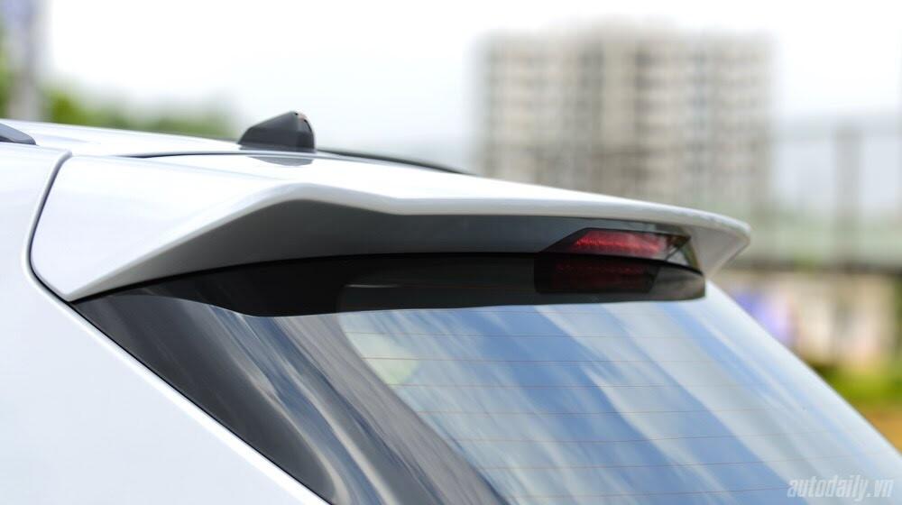 Những tiện nghi trên Hyundai Santa Fe 2014, giá bán 1,431 tỷ đồng - Hình 11