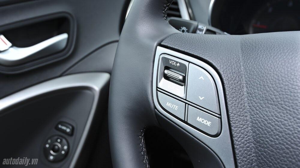 Những tiện nghi trên Hyundai Santa Fe 2014, giá bán 1,431 tỷ đồng - Hình 13