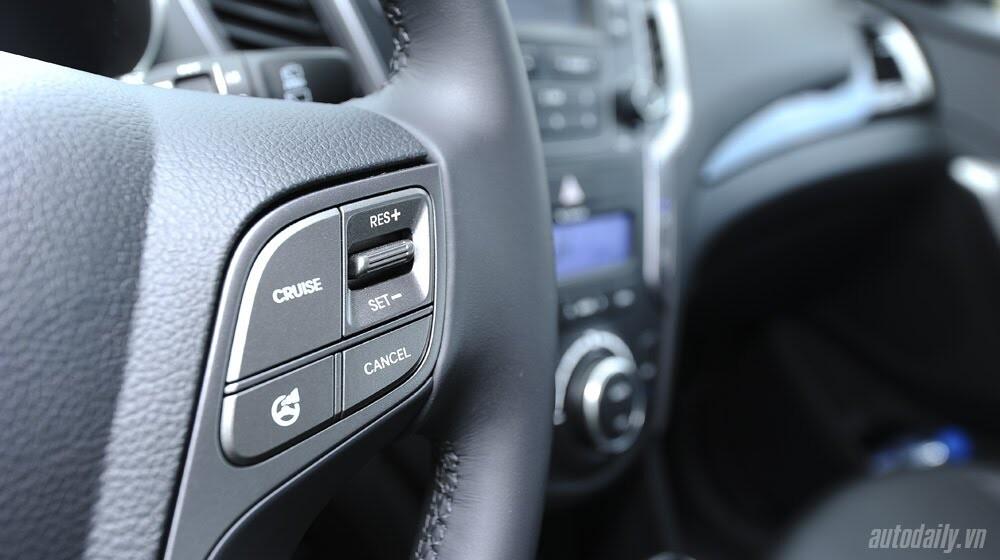 Những tiện nghi trên Hyundai Santa Fe 2014, giá bán 1,431 tỷ đồng - Hình 14