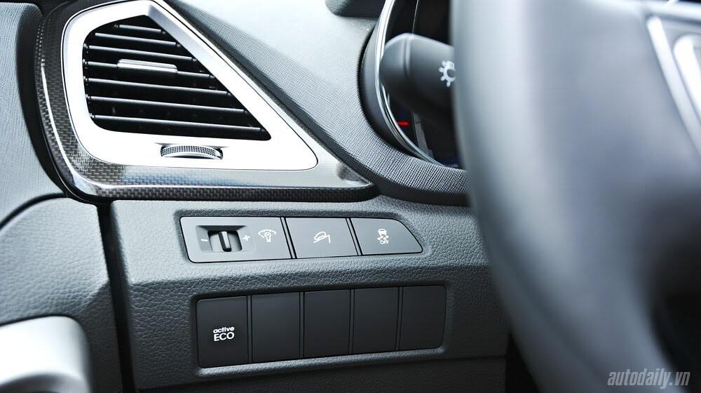 Những tiện nghi trên Hyundai Santa Fe 2014, giá bán 1,431 tỷ đồng - Hình 15