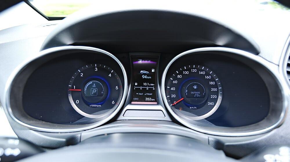 Những tiện nghi trên Hyundai Santa Fe 2014, giá bán 1,431 tỷ đồng - Hình 16