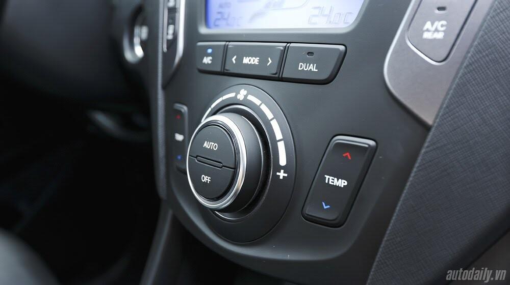 Những tiện nghi trên Hyundai Santa Fe 2014, giá bán 1,431 tỷ đồng - Hình 17