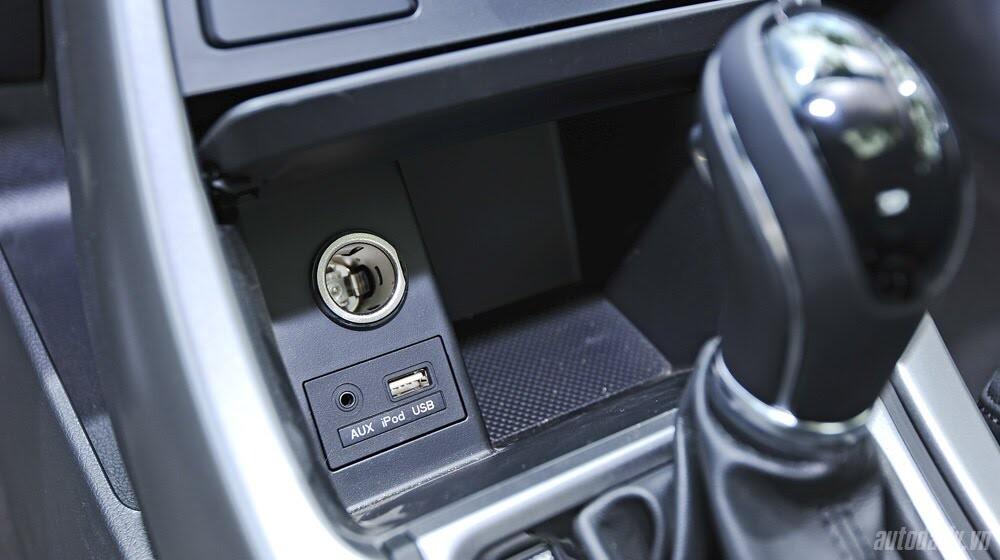 Những tiện nghi trên Hyundai Santa Fe 2014, giá bán 1,431 tỷ đồng - Hình 18