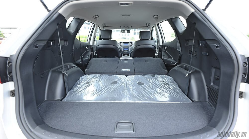 Những tiện nghi trên Hyundai Santa Fe 2014, giá bán 1,431 tỷ đồng - Hình 20
