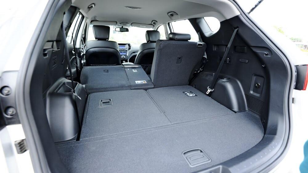 Những tiện nghi trên Hyundai Santa Fe 2014, giá bán 1,431 tỷ đồng - Hình 22