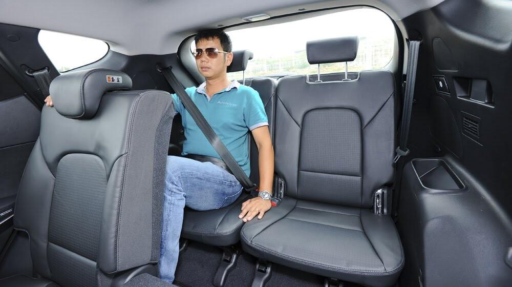Những tiện nghi trên Hyundai Santa Fe 2014, giá bán 1,431 tỷ đồng - Hình 23