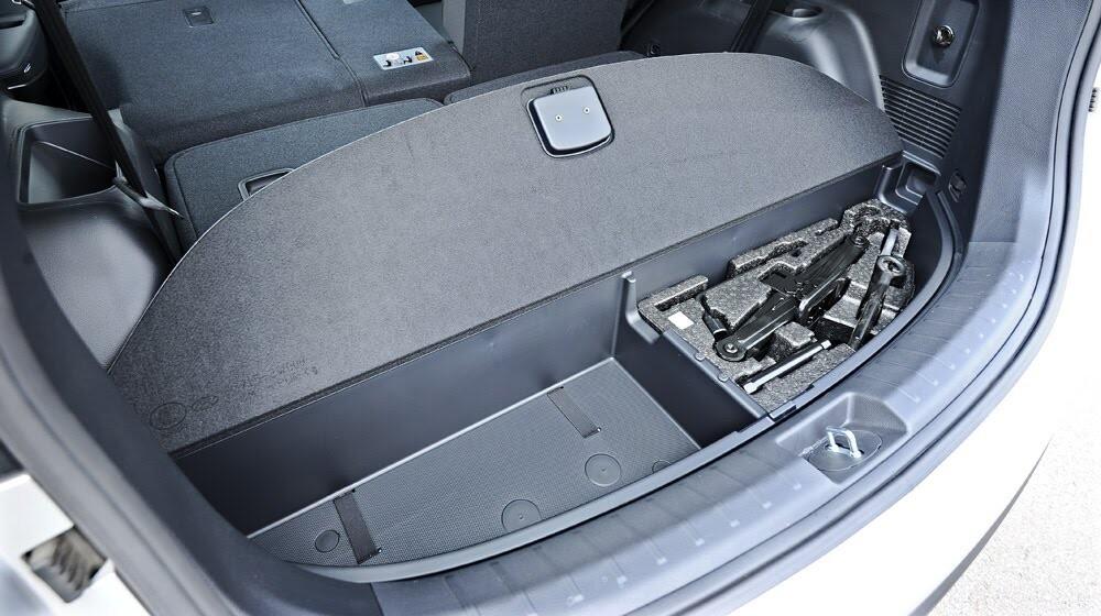 Những tiện nghi trên Hyundai Santa Fe 2014, giá bán 1,431 tỷ đồng - Hình 24