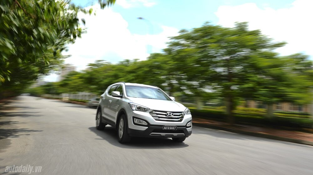 Những tiện nghi trên Hyundai Santa Fe 2014, giá bán 1,431 tỷ đồng - Hình 32