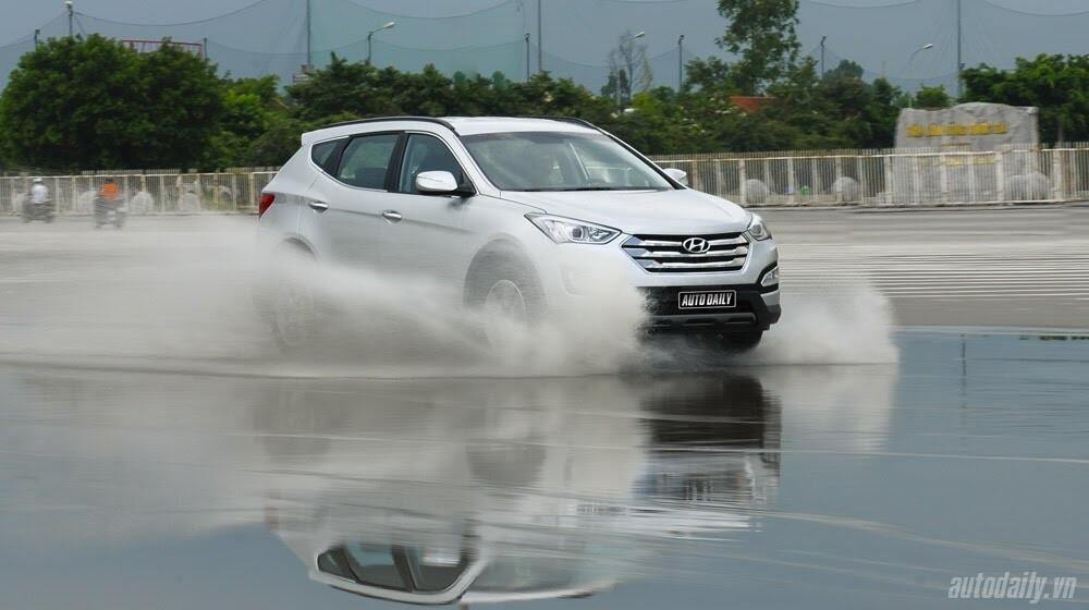 Những tiện nghi trên Hyundai Santa Fe 2014, giá bán 1,431 tỷ đồng - Hình 33