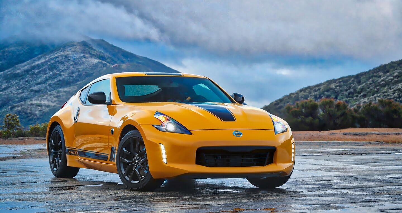"""Nissan 370Z 2018 """"chốt giá"""" từ 29.900 USD - Hình 1"""