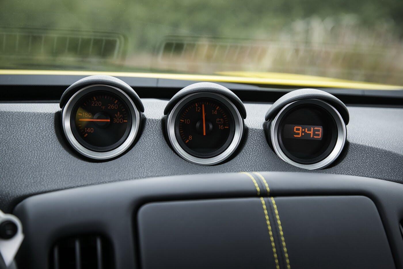 """Nissan 370Z 2018 """"chốt giá"""" từ 29.900 USD - Hình 7"""