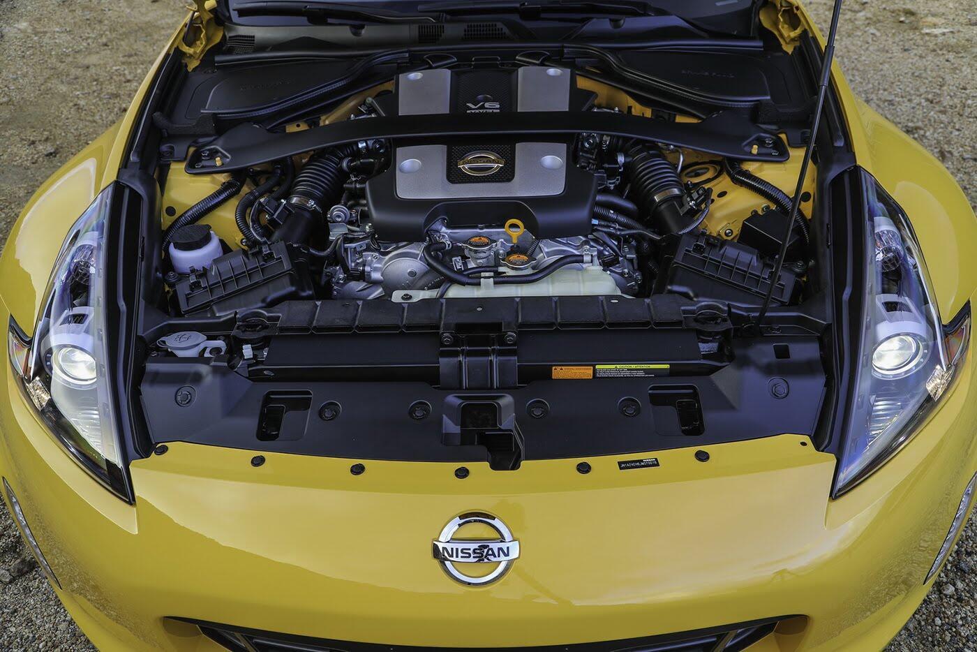 """Nissan 370Z 2018 """"chốt giá"""" từ 29.900 USD - Hình 9"""