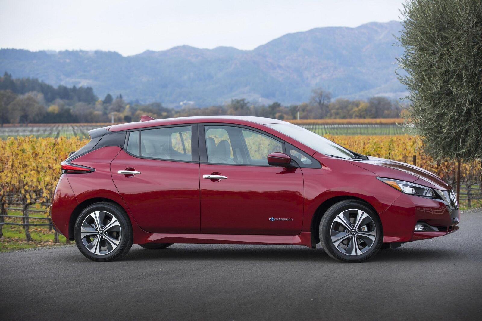 nissan-leaf-2019-xe-o-to-dien-ban-chay-nhat-the-gioi-3.jpg