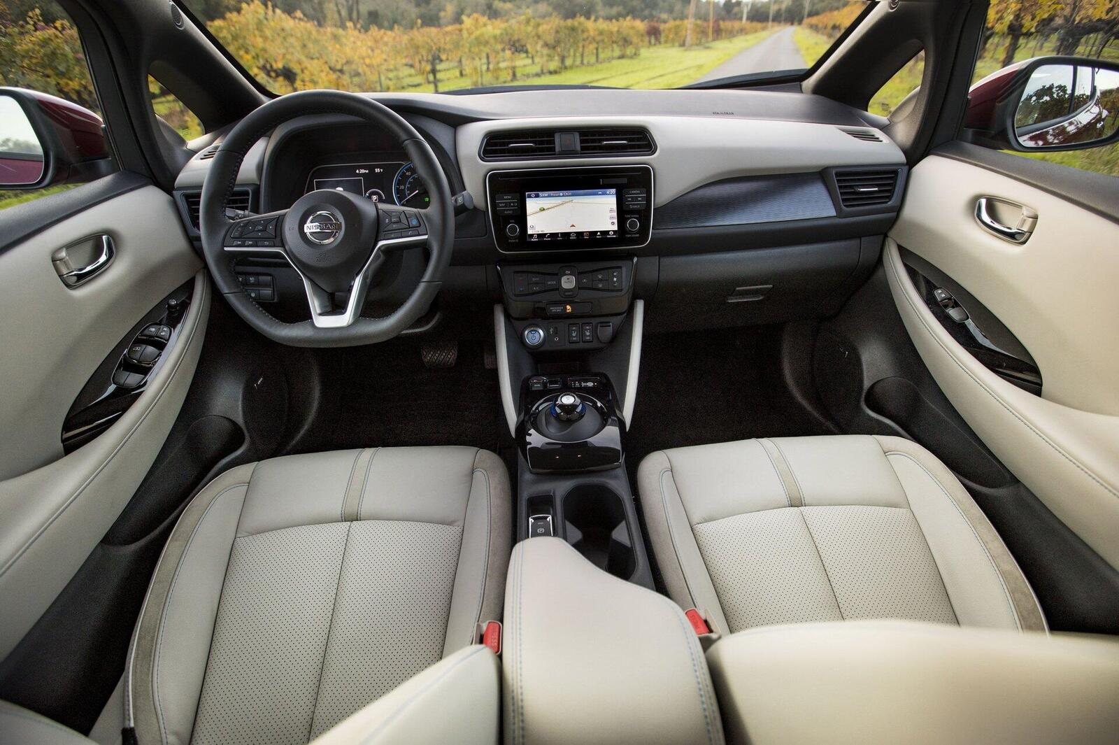 nissan-leaf-2019-xe-o-to-dien-ban-chay-nhat-the-gioi-4.jpg