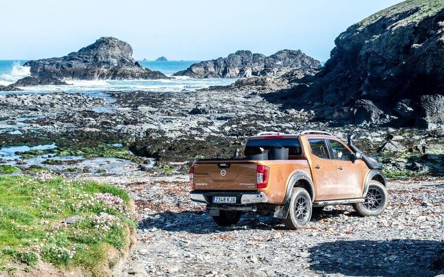 Nissan Navara Off-Roader AT32 vinh dự được tham gia hoạt động tình nguyện bảo vệ môi trường biển - Hình 2