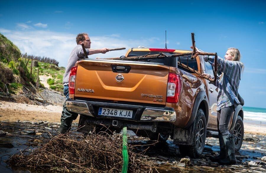 Nissan Navara Off-Roader AT32 vinh dự được tham gia hoạt động tình nguyện bảo vệ môi trường biển - Hình 4