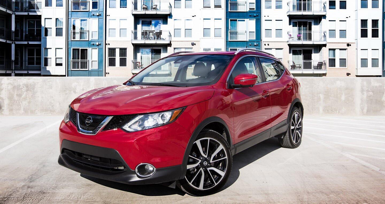 Nissan Rogue Sport 2018 có giá từ 22.615 USD - Hình 3