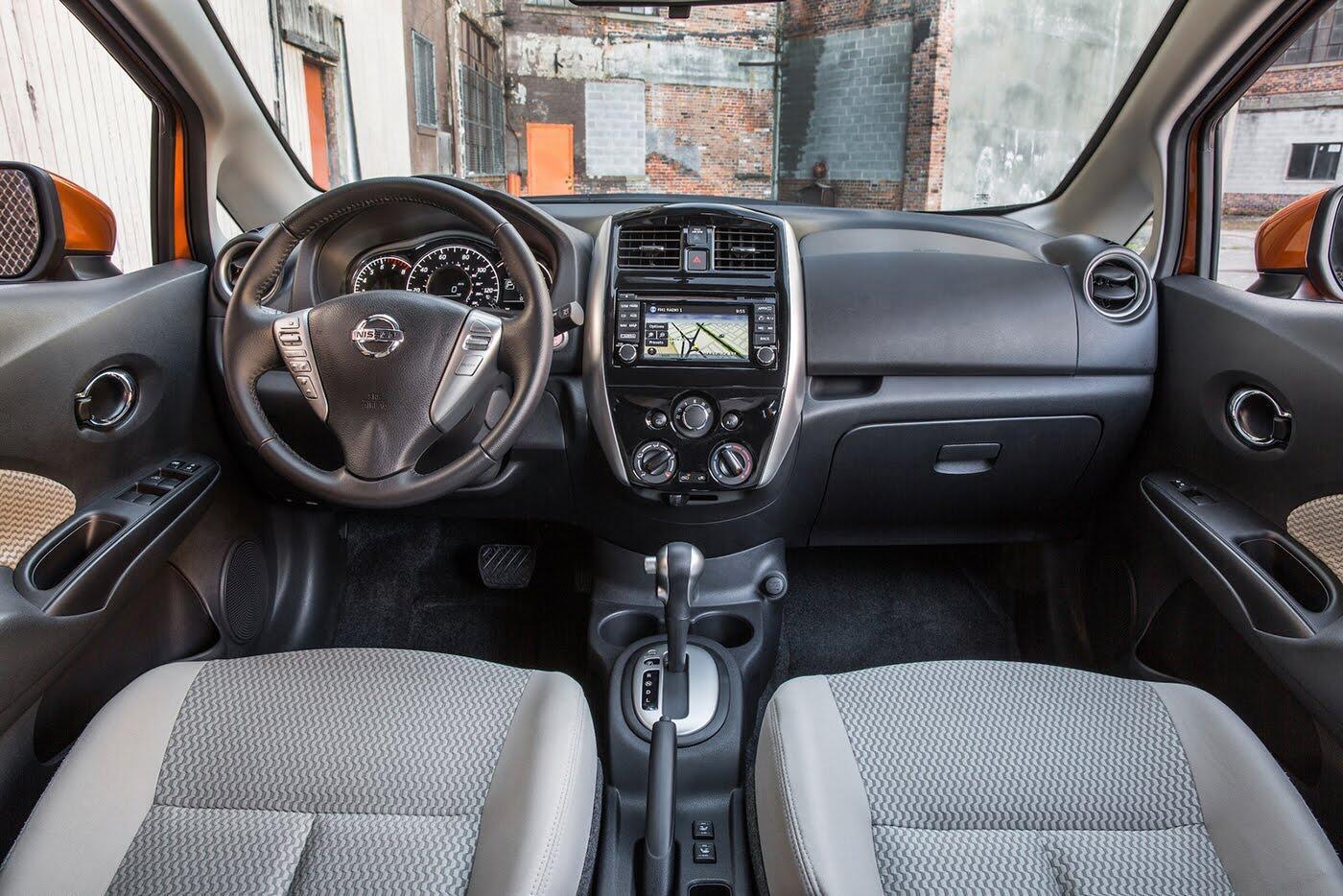 Nissan Sunny 2018 có thêm phiên bản hatchback - Hình 6