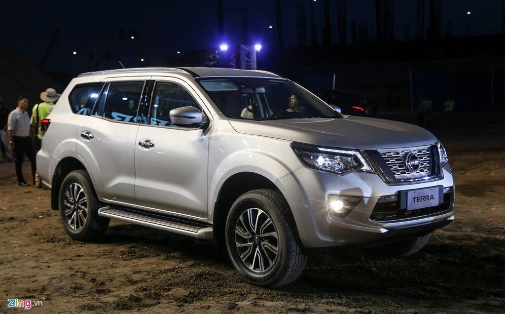 Nissan Terra 7 chỗ ra mắt, giá tương đương 650 triệu, về VN đầu 2019 - Hình 1