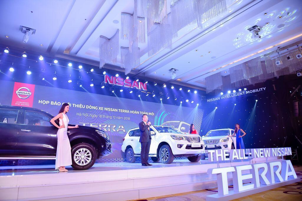 Nissan Terra S sử dụng máy dầu mạnh 190 mã lực chính thức ra mắt tại Việt Nam, giá 988 triệu đồng - Hình 3