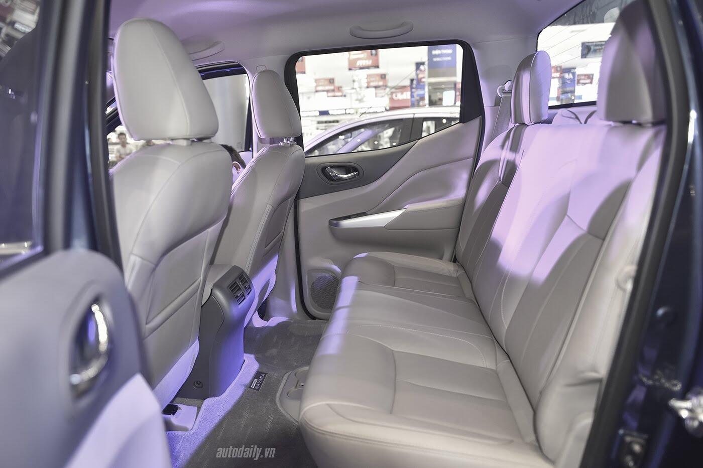Nissan Việt Nam ra mắt Navara Premium R 2017, giá 815 triệu đồng - Hình 15